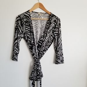 Banana Republic  black white wrap top